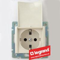 Розетка с заземлением, с крышкой, Legrand Valena 16А 774322 (слоновая кость)