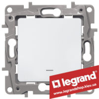 Переключатель на 2 направления с подсветкой Legrand Etika Plus 10А (белый)