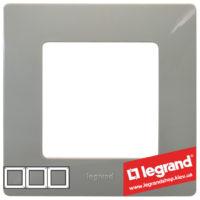Рамка 3-я Legrand Etika 672523 (светлая галька)