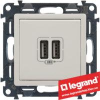 Розетка USB Valena Life для зарядки двойная 753412 (белая)