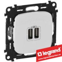 Розетка USB Valena Allure для зарядки двойная 754995 (белая)